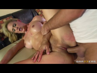 Brazzers – Cherie Deville – Moving In